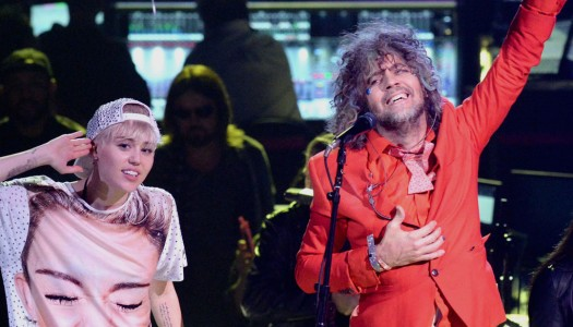 Miley Cyrus and The Flaming Lips To Play Show Completely Nude