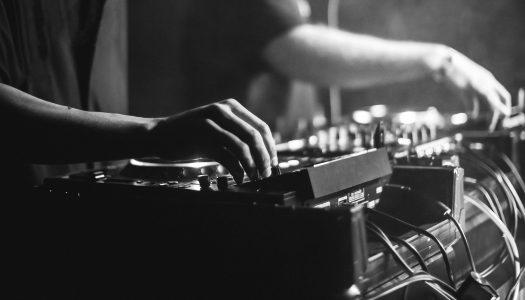 NP Exclusive Mix: Akeos